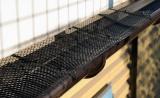 Ochranná síť proti zanášení okapových žlabů s úchytkami Vorel